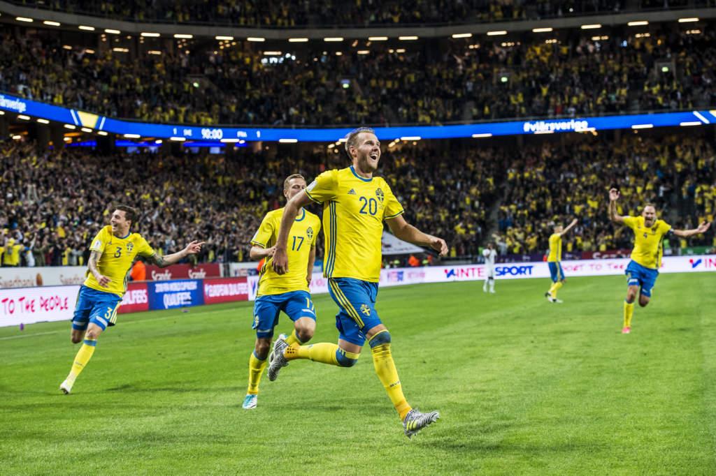 vm-kval, sverige - frankrike, 2 - 1, ola toivonen, fotbollsspelare sverige, gšr 2-1, match action glad landslaget